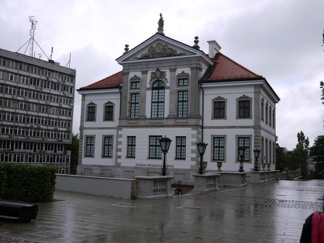 2011_06200372